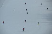 little mini people skiing